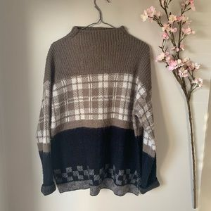 UO / SILENCE & NOISE / COWL NECK SWEATER